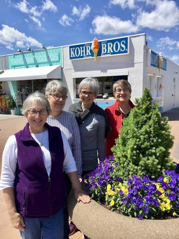 L-R: Gloria, Mary, Shirley, Tina.